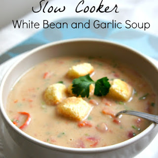 Recipe for Slow Cooker (Crock Pot) White Bean and Garlic Soup.