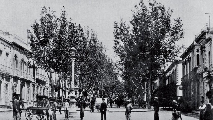 Imagen del Paseo fechada en 1910 (arriba)  y plano del Proyecto Jover, de 1855 (abajo).