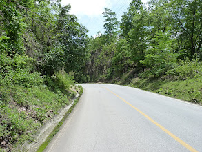 Photo: road Mae Sariang to Chiang Mai - going downhill from the top on the road built in rocks