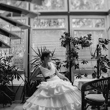 Wedding photographer Artem Kuzmichev (Kuzmichev). Photo of 19.04.2013