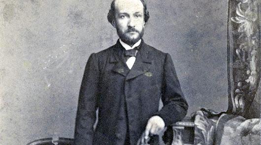 Francisco Salmerón y alonso retratado en el estudio del fotógrafo J.Laurent.