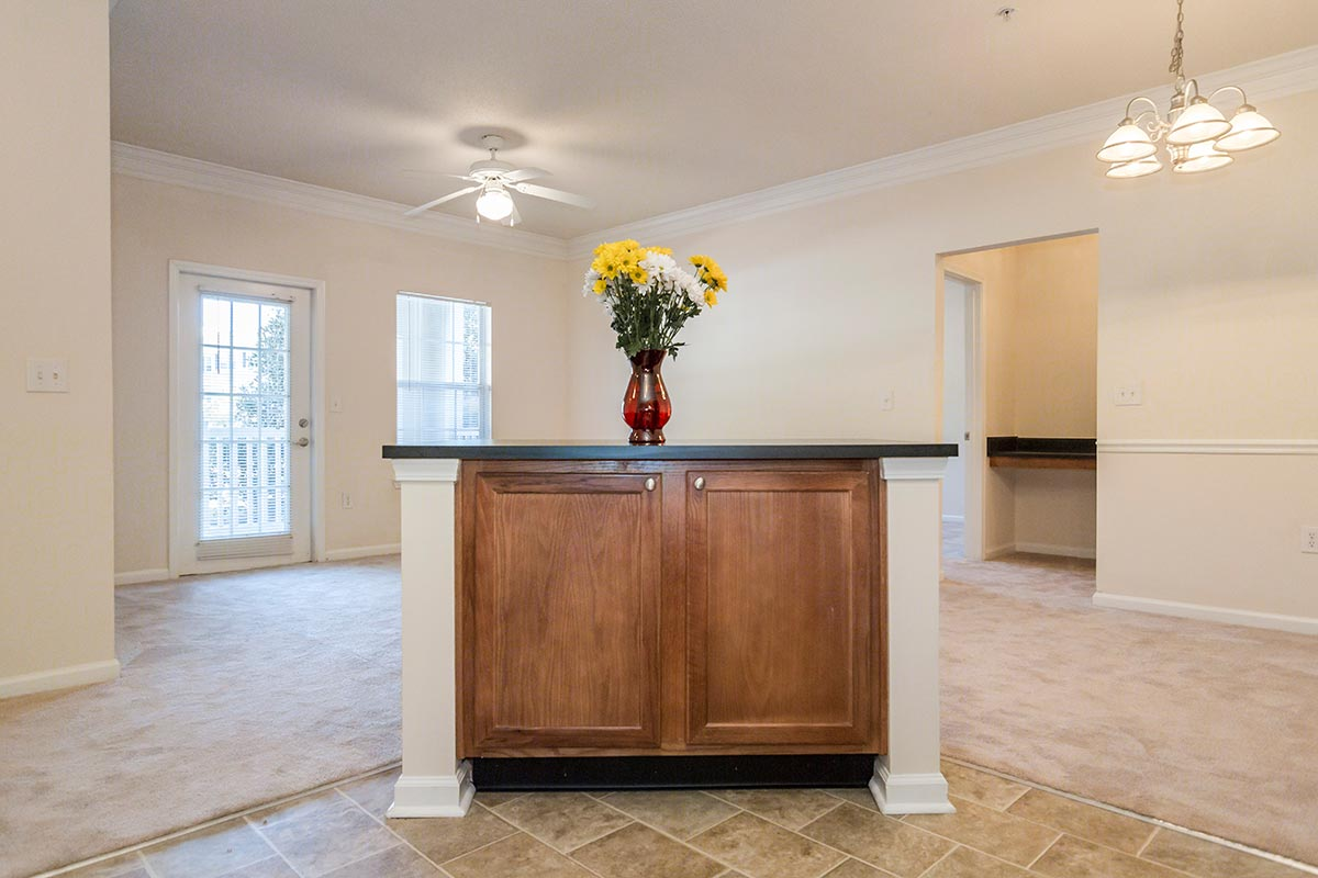 Oakwood. Walden Legacy Apartments For Rent in Knoxville  Tennessee
