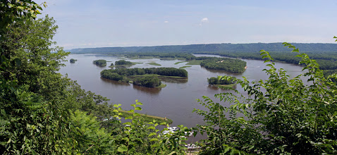 Photo: View from Mount Hosmer, Iowa - Mississippi River