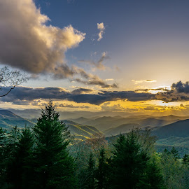 Rays of Light by Jay Michaud - Landscapes Sunsets & Sunrises ( sunset mountains sky clouds, sunset, appalachain )