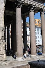 Photo: i colonnoni del Pantheon