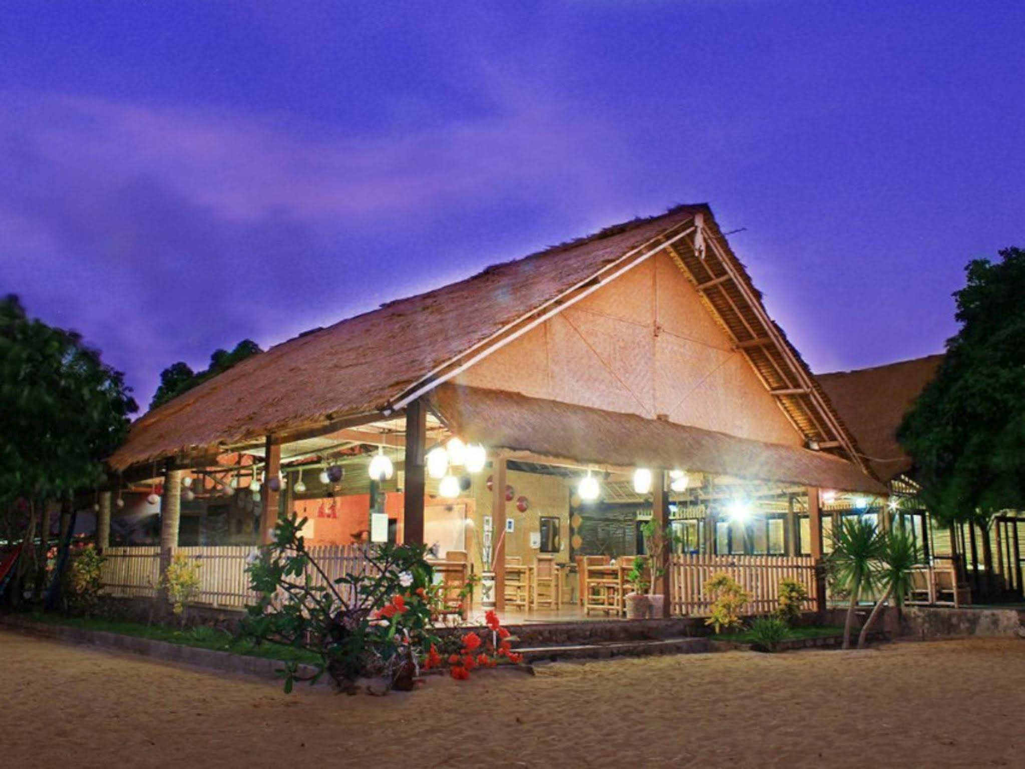 Bumbangku Beach Cottage