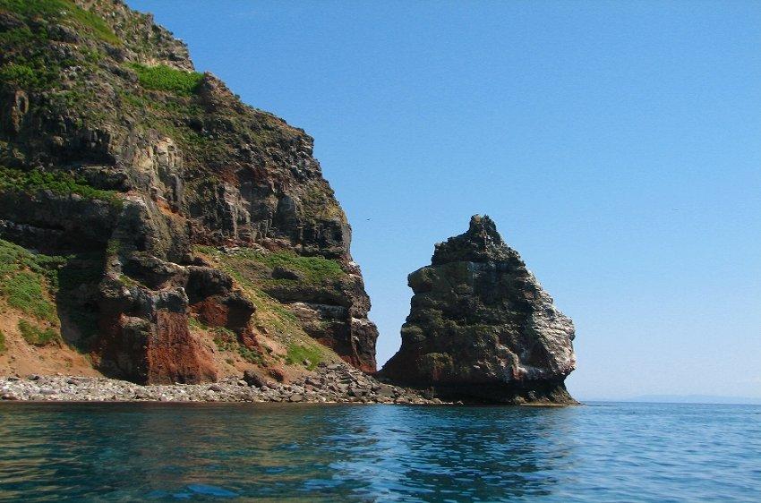 海鳥の島 天売島を行く