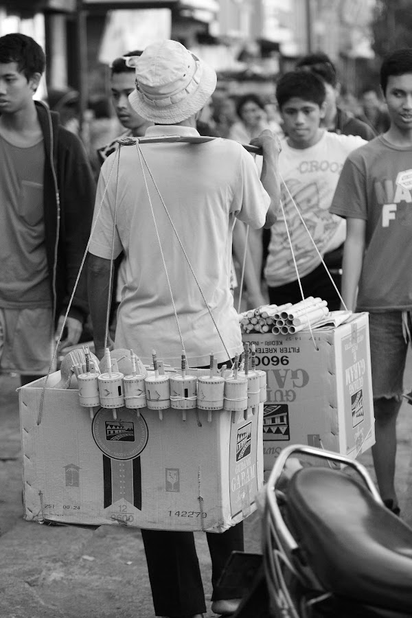 Traditional Toy by Bayu Yudha - Novices Only Street & Candid