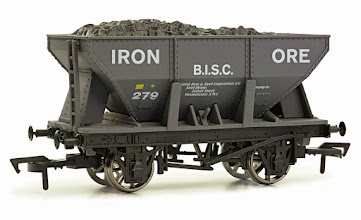 Photo: 4F-033-104  24T Ore Hopper