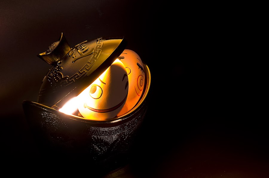Stealing The Gold by Ryan Li - Products & Objects Business Objects ( steal, dark, secret, gold, egg, light, golden, escape )