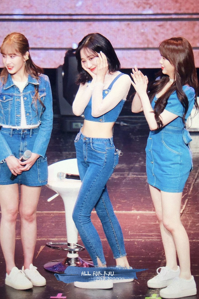 sujeong crop top 24