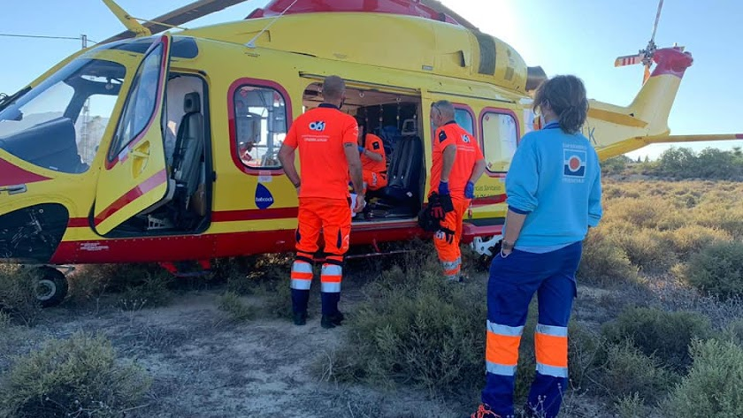 En las tareas de rescate se utilizó un helicóptero Helgra, proveniente de Baza.