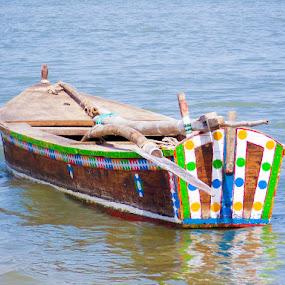 wooden boat by Roshan Tabasum - Transportation Boats ( transport, boat, wooden boat, river )
