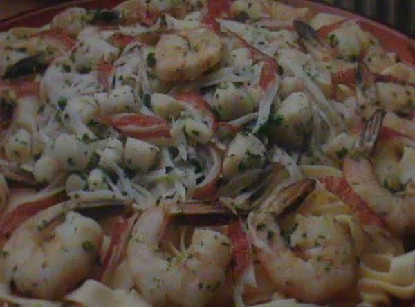 Seafood In Basil Sauce Recipe
