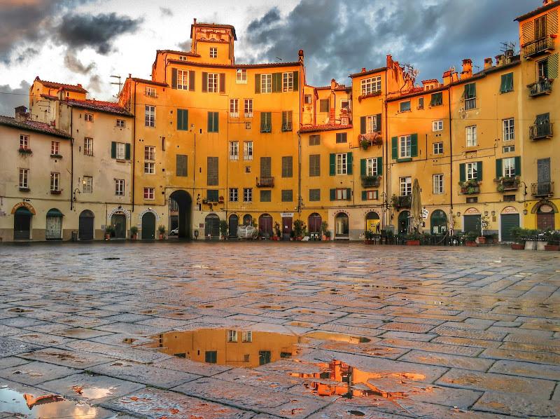 Piazza Anfiteatro Lucca di Giorgio Lucca