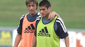 Álvaro Benito con Guti en el Real Madrid.
