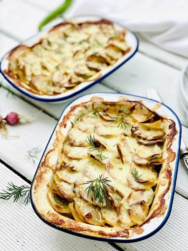 Definitely One Easy Fish Pie Recipe To Make And Share With Your Family Or Friends, Delicious And Nourishing, Packed With Beautiful Vegetables And Flavours.