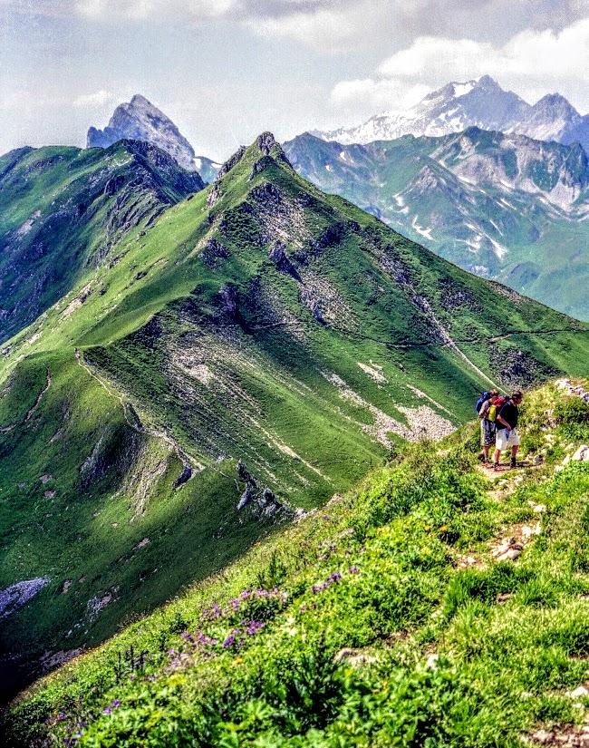 Auf der Geißspitze - Blick auf Schesaplana Montafon Golmer Höhenweg
