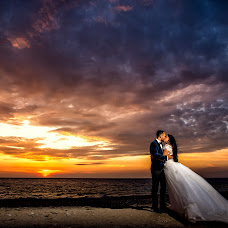 Wedding photographer Slagian Peiovici (slagi). Photo of 14.02.2018