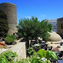 近代建築から世界遺産まで多彩な景色に出会えるアゼルバイジャン・バクーの観光スポット8選