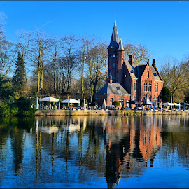 building by Nic Scott - Buildings & Architecture Other Exteriors ( reflections, brugge, building, architecture )