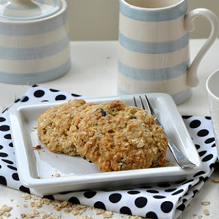 Scones with Oats and Coconut.