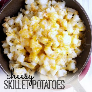 Easy Skillet Potatoes with Cheese