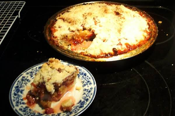 Crusty Rhubarb Pie       .... No Roll Pastry