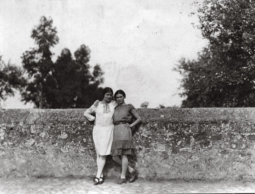 Tina Modotti and Frida Kahlo in Mexico