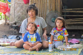 Photo: Sanpatong: baby twins supported by Wendy from Singapore.