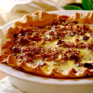 Pfefferquiche mit Fleisch und Käse