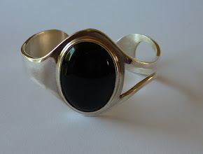 Photo: Helmien. zilveren armband met onyx