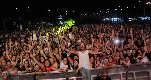 El dj Óscar Martínez ofreció una impresionante sesión con la que concluyó el festival.