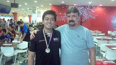 Photo: William Hideki (OURO no All Events 1.ª divisão masculina,média 226,95) com Décio Abreu