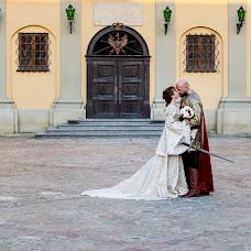 Wedding photographer Tasha Kotkovec (tashakotkovets). Photo of 10.02.2016