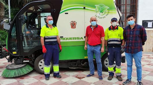 Una nueva barredora para potenciar la limpieza urbana en Huércal-Overa