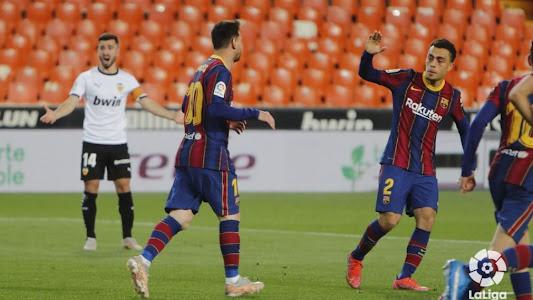 Hasil dan Klasemen Liga Spanyol - Berkat Lionel Messi, Barcelona Bikin Duo Madrid Keringetan - Bolasport.com