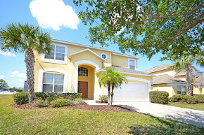 Orlando villa, gated Kissimmee community, close to Disney World, west-facing pool, games room