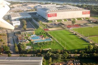 Photo: Esprit Arena und Rheinbad Düsseldorf
