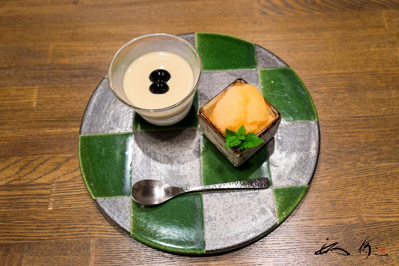 デザート:チコリ茶のプリン 祝い黒豆乗せ  メロンシャーベット 蜂蜜入