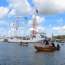 Photo: De Minerva (Nederland) lijkt geramd te gaan worden door de Sedov (Rusland).