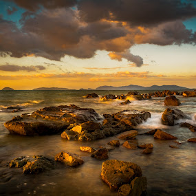 Sunset by Ted Khiong Liew - Landscapes Sunsets & Sunrises ( sky, waterscape, sunset, seascape, rocks, golden hour )