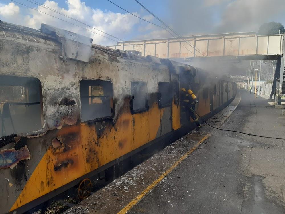 Teenage boys arrested for huge Metrorail trains blaze - SowetanLIVE