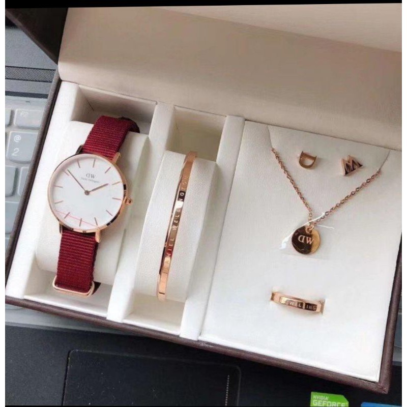 Daniel Wellington Accessories – A Classic  Choice