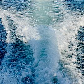 Wake Turbulence by Nadeem M Siddiqui - Transportation Boats