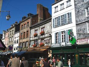 Photo: Honfleur en 2007, la rue Haute.