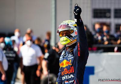 Verstappen vernedert de rest in in eerste vrije training Silverstone die aan belang gewonnen heeft
