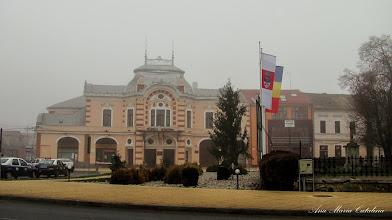 Photo: Crucea mare de piatra si Teatrul Municipal Turda - (2012.12.28)