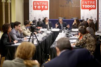 Photo: Imagen del debate del 'president' Mas con 10 lectores de EL PERIÓDICO. FOTO: Julio Carbó