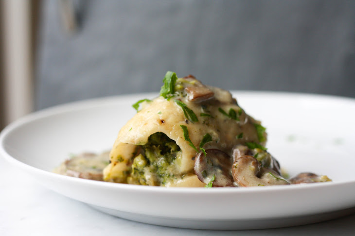 Stuffed Sole with Broccoli and Mushroom Sauce Recipe